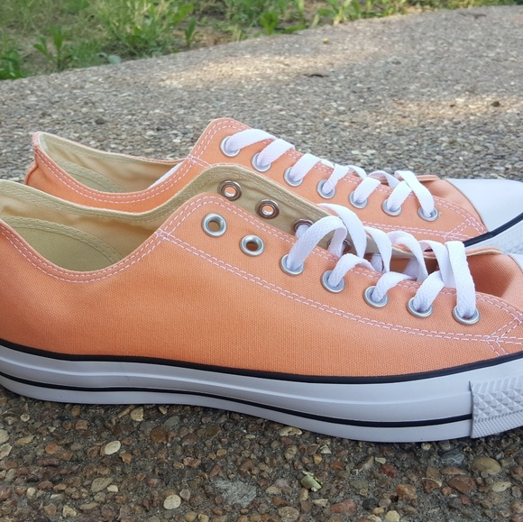 Converse Size 11 Low Top Sunset Glow (NIB) NWT